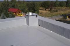 dach-płaski-pokryty-folią-dachową-PVC