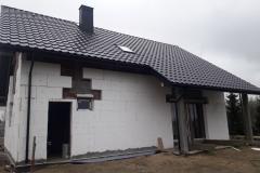 dach-pokryty-dachówką-ceramiczną
